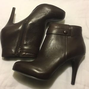 Nine West New leather ankle boots sz 6.5 m